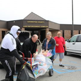 VIDEO: LCSD, toy blogger work to get gifts under Christmas trees